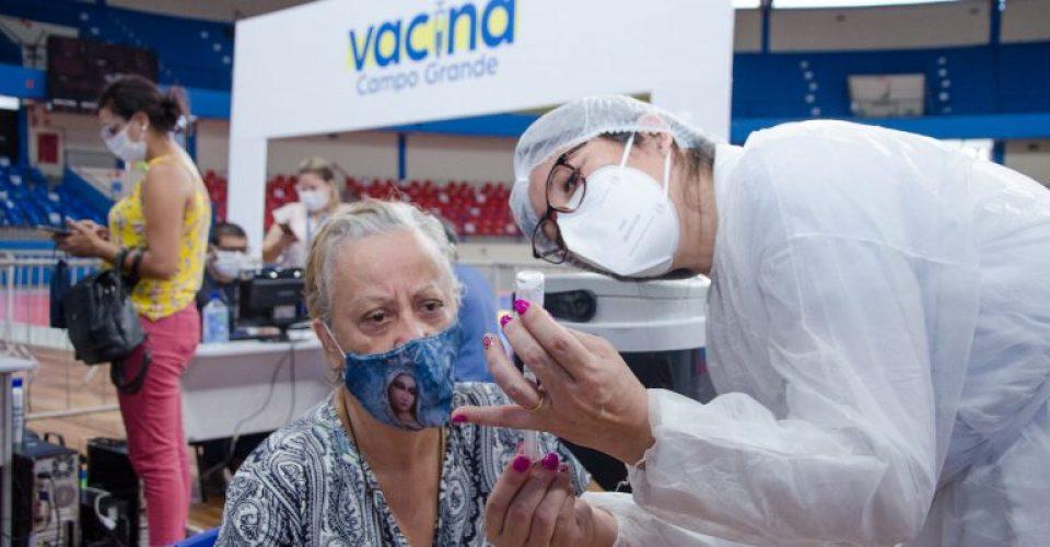 vacinacao-coid-19-guanandizcao-fotos-diogo-goncalves-14-768x432